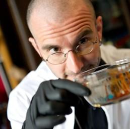 DR. MARK BENECKE - Kriminalbiologe