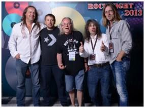 AC/DC Party mit der Band AM/FM